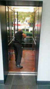 BRK Aufzug innen